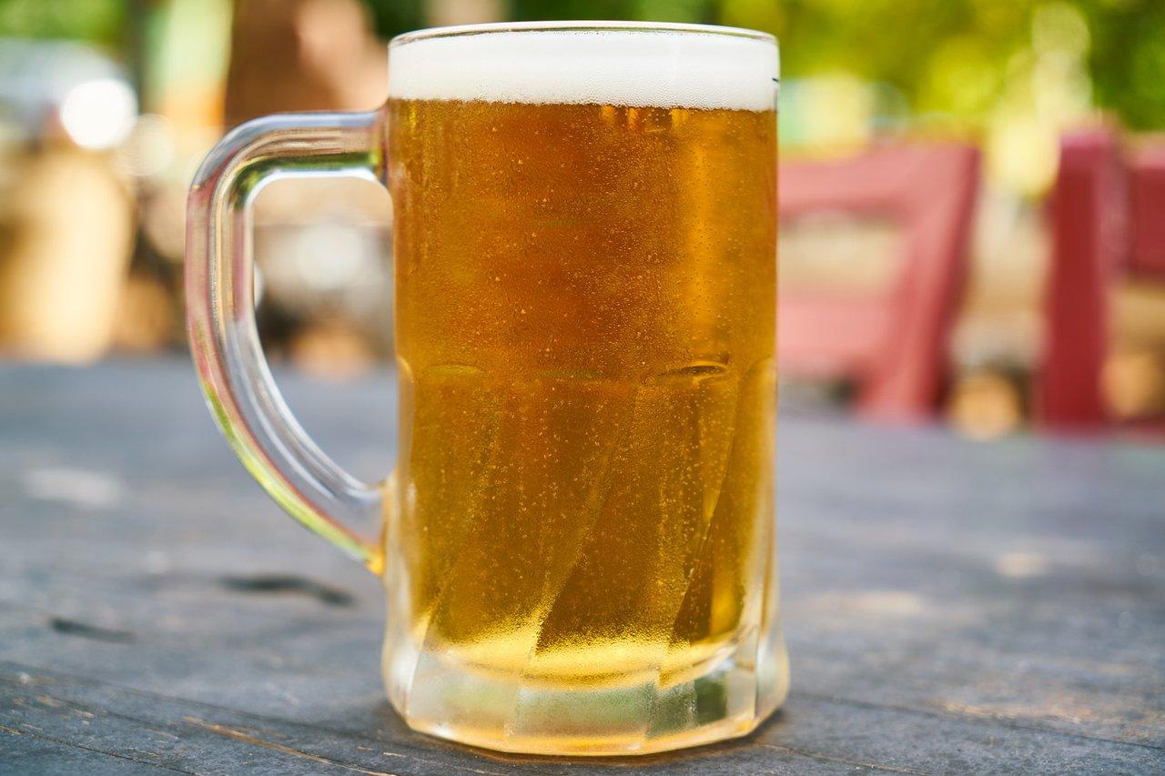 6 dicas para reduzir o consumo de álcool (Foto de Engin Akyurt no Pexels)