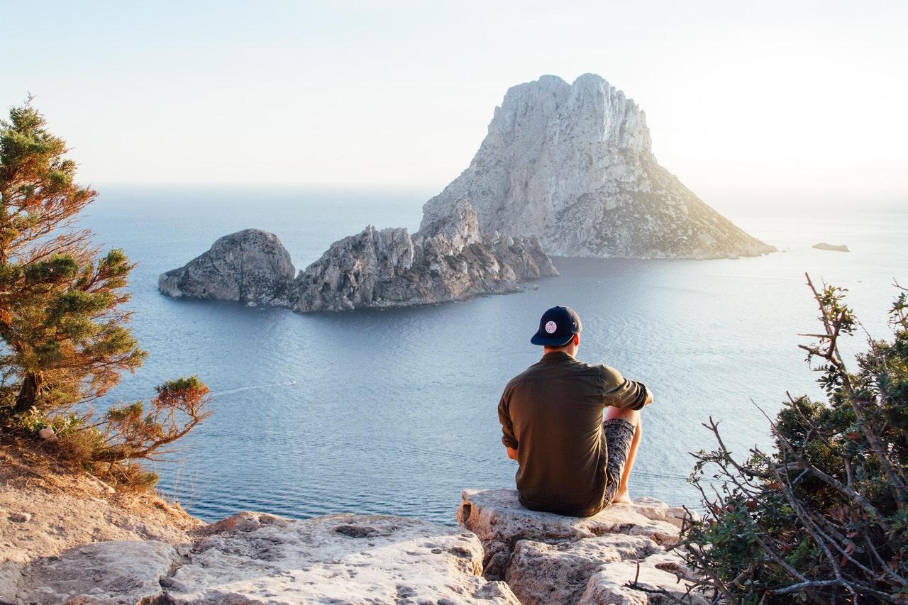 3 melhores locais de férias para homens solteiros (Foto de Riccardo Bresciani no Pexels)